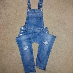 NWT Juniors Overalls Size 10! SO Brand!